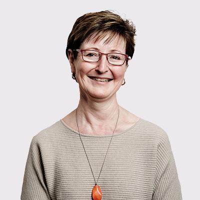 Dr Carolyn Bond