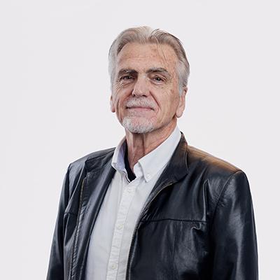 Dr Kelvin Hogarth